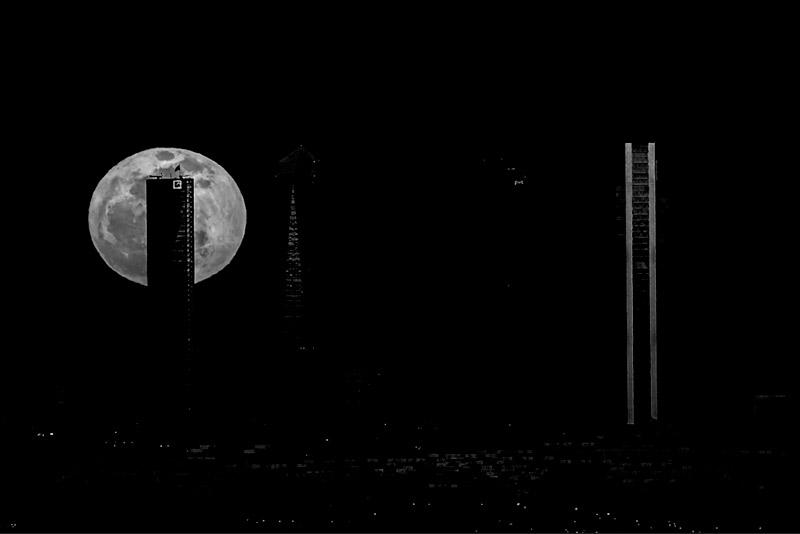 Aquí podéis ver la perfección de una máscara d eluminosidad seleccionando los tonos de la luna. Cualquier ajuste que hagamos afectará tan solo a las zonas blancas.